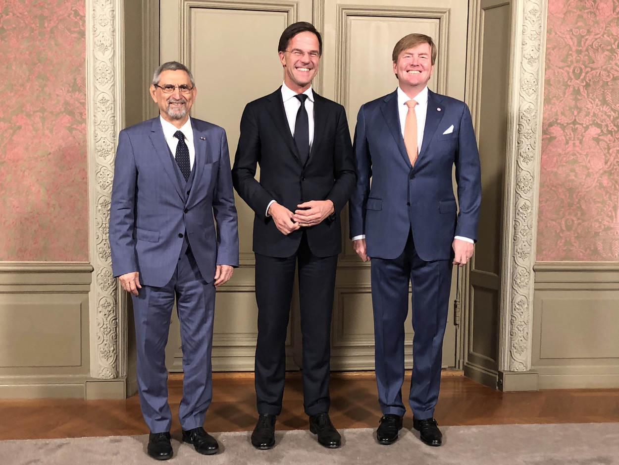 ¿Cuánto mide Guillermo de Holanda (William Alexander)? - Real height Group-portrait-president-fonseca-pm-rutte-king-willem-alexander