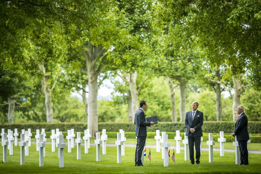 King Willem-Alexanderat the Netherlands American Cemetery in Margraten